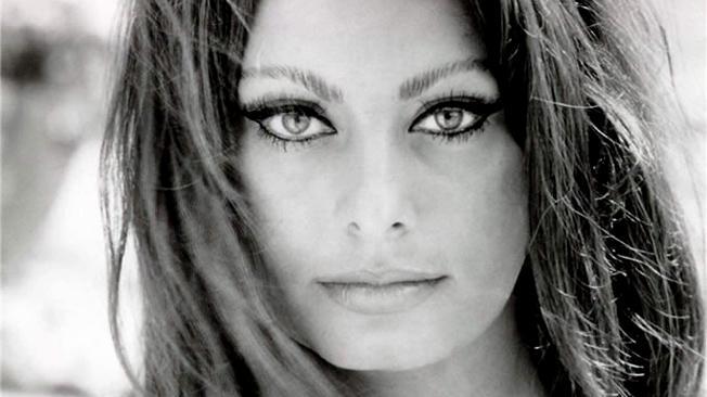 23 Pictures Where Sophia Loren Seduces the Camera u2014 And Us ...